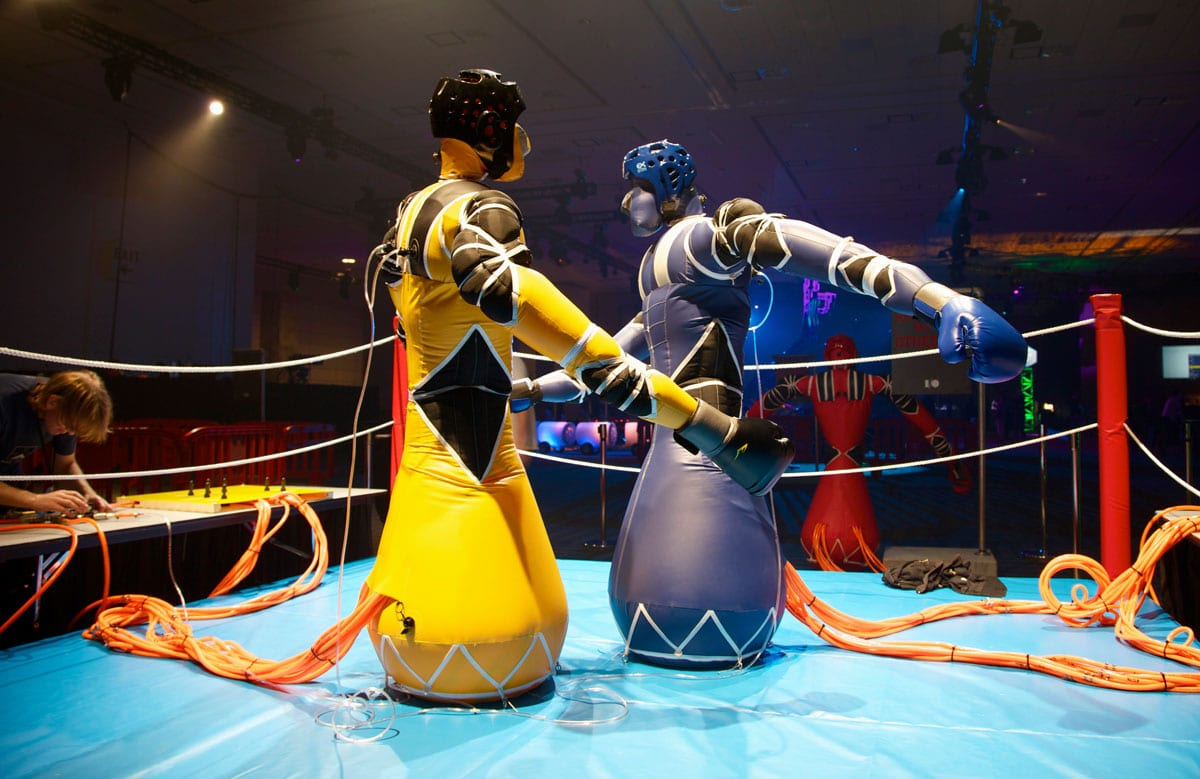 Inflatable-Robots-On-The-Ring-