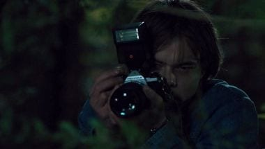 stranger-things-easter-eggs-references-Pentax-MX-SLR