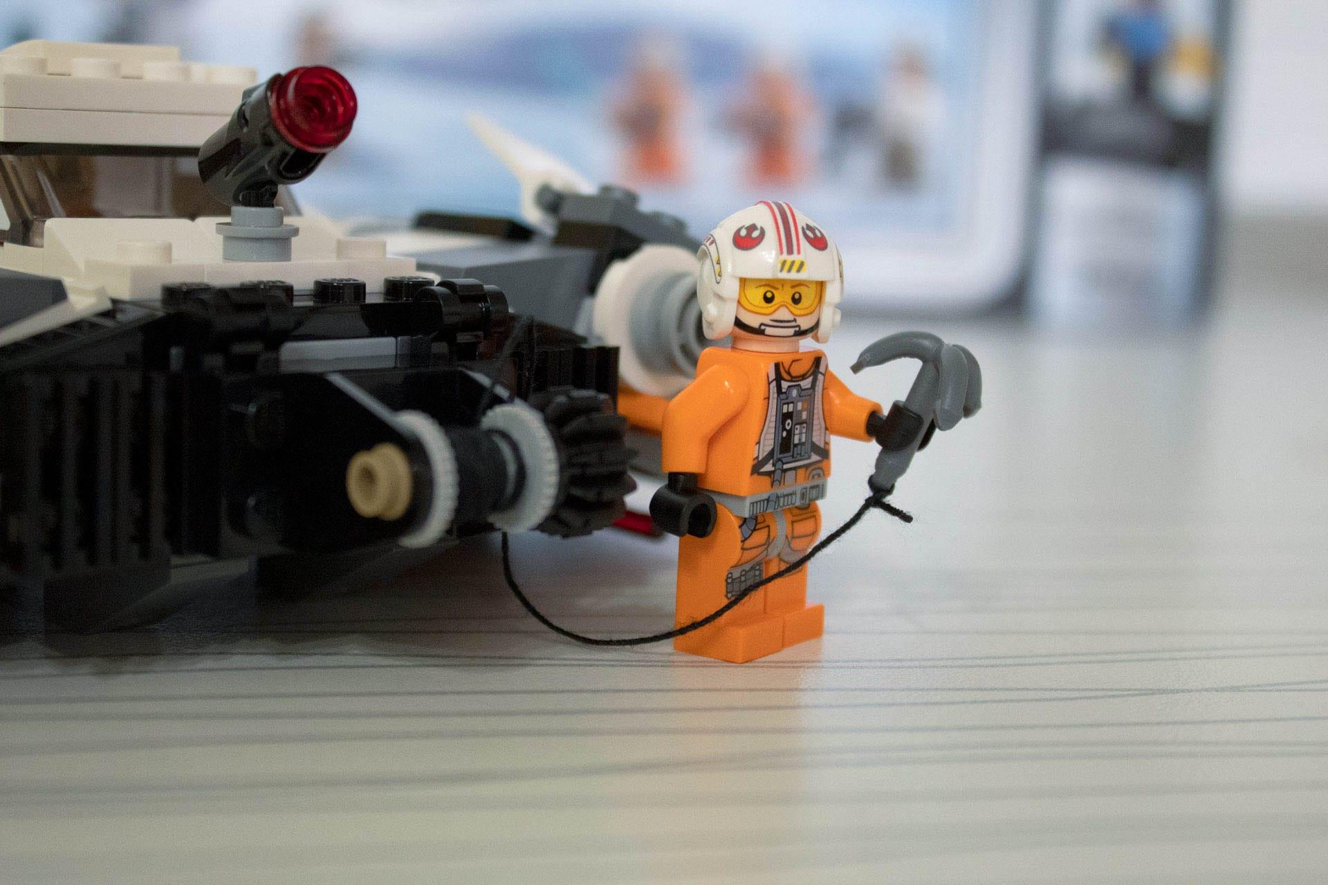 star-wars-lego-snowspeeder